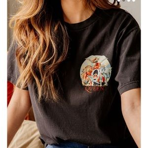 Urban Outfitters Queen graphic tee